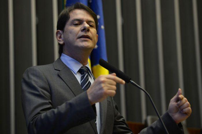 """Resultado de imagem para Cid Gomes chama petistas de """"babacas"""" e ataca Lula"""
