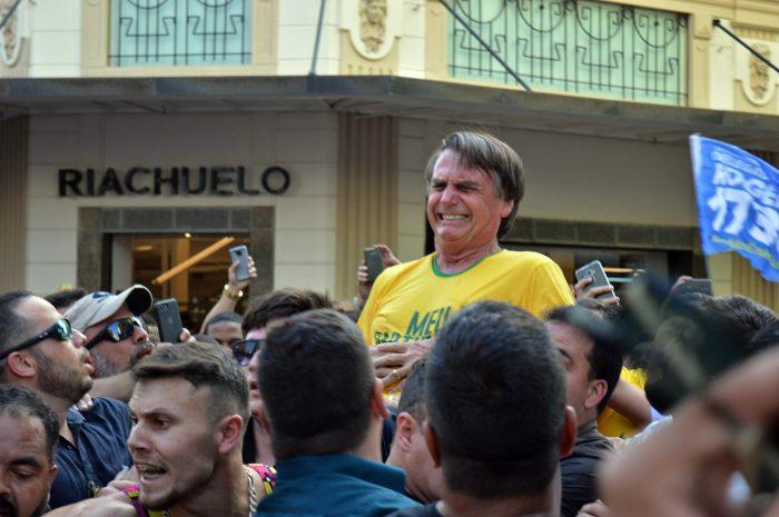 Resultado de imagem para - Bolsonaro: Policia Federal investiga advogados e PCC por comandar atentado ao Capitão.