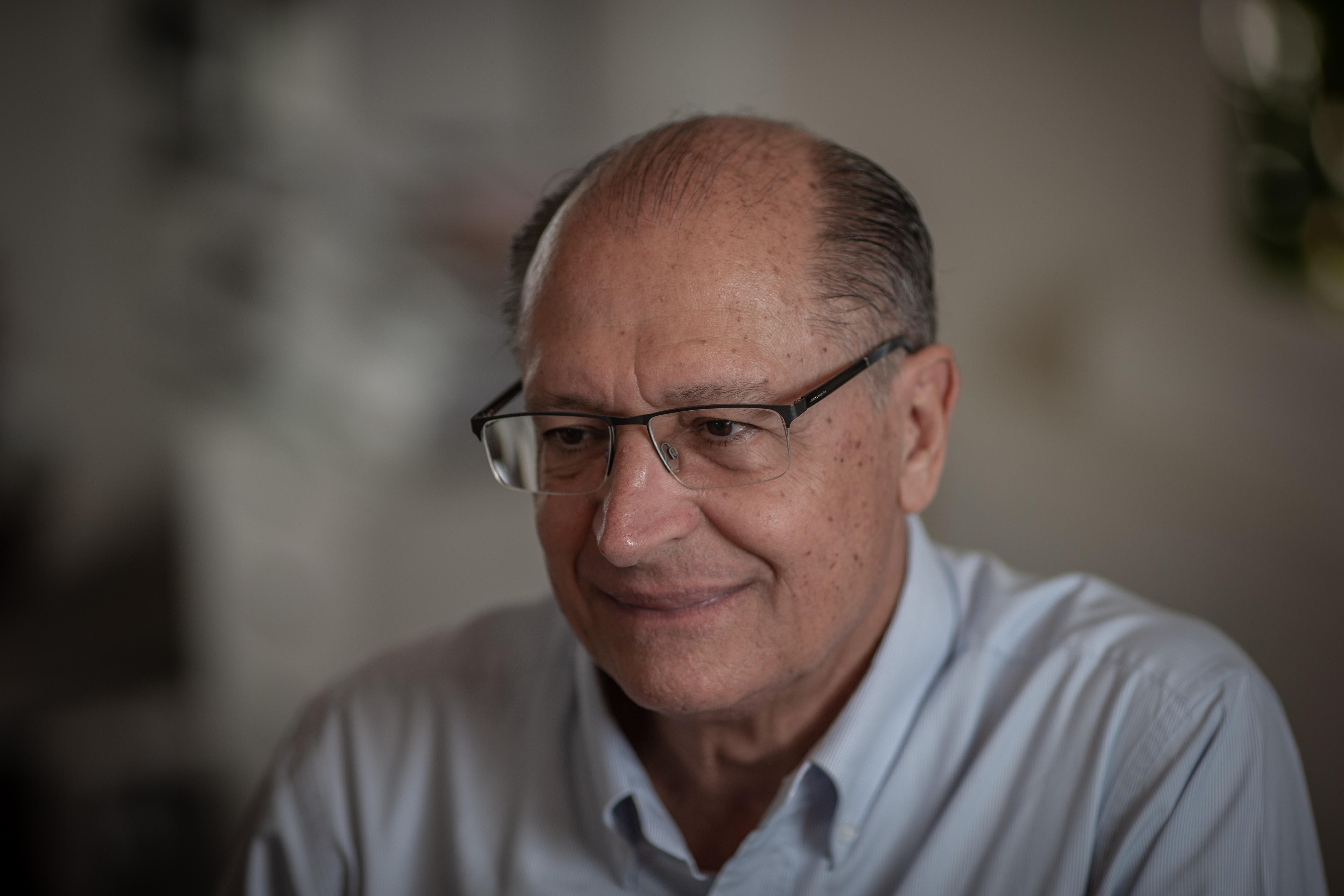 Justiça Eleitoral bloqueia R$ 11,3 milhões de Alckmin e ex-assessores
