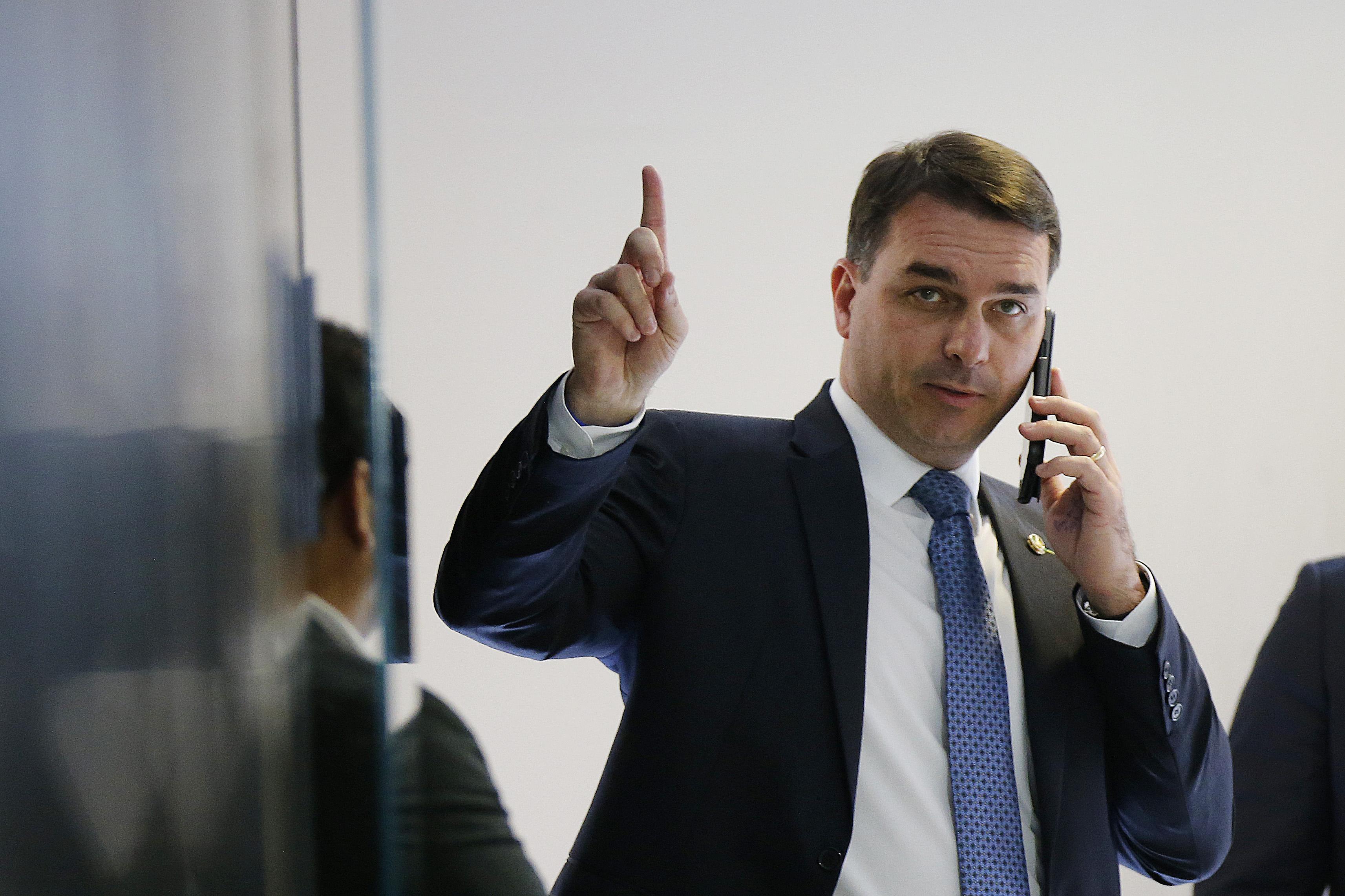 Justiça nega quebra de sigilo telefônico de assessores de Flávio Bolsonaro
