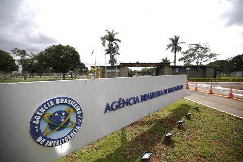 Bolsonaro põe a Abin no jogo contra a CPI